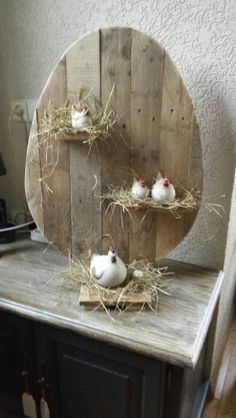 Gift Shop Interiors, Home Crafts, Diy And Crafts, Diy Osterschmuck, Easter Bunny Decorations, Wood Decorations, Diy Ostern, Garden Deco, Spring Crafts