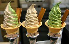 Strawberry and Italian vanilla and pistachio ice cream sorbet Green Tea Ice Cream, Pistachio Ice Cream, Sour Cream, Ice Cream Freeze, Yummy Ice Cream, Flavor Ice, Ice Cream Flavors, High Protein Breakfast, Sorbets