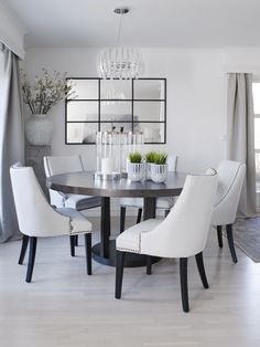 Moderne spisestue Dining Table, House, Furniture, Home Decor, Dining Room, Home, Modern, Dinning Table, Haus