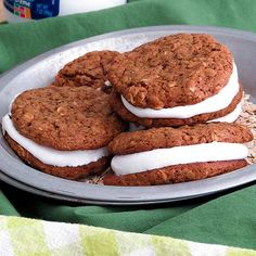 Make a gluten free version of your favorite childhood snack, oatmeal cream pies! A homemade marshmallow filling and gluten-free cookie outside makes this the perfect snack or dessert to share with your kids. In only 10 minutes you can have homemade oatmeal cream pie cookies.