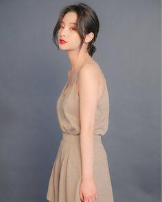 @1993kg_1997kg - - #변정하 #边贞夏#Jungha #byunjungha #seo... Byun Jungha, Korea Fashion, Daily Look, Ulzzang Girl, Backless, Kpop, Model, Instagram, Dresses