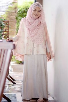 Soft collor and girly. . .