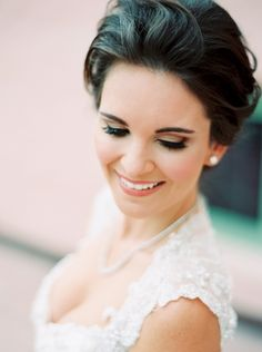 Glamorous bridal beauty look: Photography : Jacqui Cole Photography Read More on SMP: http://www.stylemepretty.com/florida-weddings/st-petersburg/2016/03/31/a-glamorous-gold-wedding-that-will-bring-out-your-inner-sparkle/