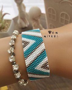 Loom Bracelet Patterns, Bead Loom Bracelets, Beading Patterns, Bijoux Diy, Loom Beading, Bead Weaving, Bead Crafts, Friendship Bracelets, Beaded Jewelry
