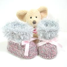 Hand knitted pink white and gray baby booties size 3 to 6 months Tricotmuse© - pinned by pin4etsy.com