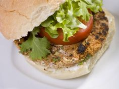 It's hard to find really good vegan food out in the world, but you can make some great food right from your own kitchen. This vegan burger recipe is really easy and it tastes amazing. It uses black-eyed peas to add flavor to a delicious veggie burger.