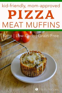 Moms need healthy, easy lunches to feed growing kiddos, and these little keto and low-carb Pizza Meat Muffins are a delicious lunch sure to be a kid pleaser! #pizza #keto #lowcarb