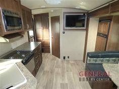 Lighten Up With The New 2017 Dutchmen RV Denali Lite 2371RB Travel Trailer at General RV | Dover, FL | #134385