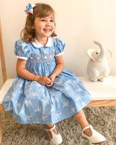 Girls Smocked Dresses, Flower Girl Dresses, Kid Hairstyles, Heirloom Sewing, Smock Dress, Girly Girl, Kids Wear, Kids Clothing, Baby Dress