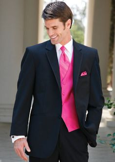 Man wedding suit: hot pink tie. Boutonniere: green hydrangea and ...