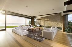 Luxurious Queensland Beach Residence Offers Dramatic Ocean Views Living Room Paint, Living Room Decor, Internal Design, Beautiful Living Rooms, Large Homes, Interior Design Tips, Design Ideas, Living Room Designs, Luxury Homes