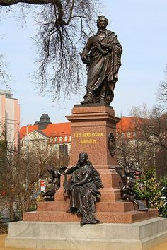 Mendelssohn statue in Leipzig, Germany. Classical Music Composers, Classical Education, Germany Europe, Germany Travel, Dresden, Augsburg Germany, North Sea, Music Love, Night Life