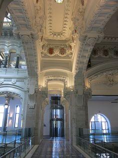 Palacio de Cibeles, Madrid by voces, via Flickr