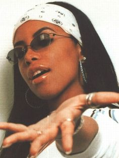 fashion style Aaliyah R & B RnB fashion brandy . - fashion style Aaliyah R&B RnB fashion brandy … – Hair – # 90 - Aesthetic Collage, 90s Aesthetic, Aesthetic Vintage, Aesthetic Fashion, Aesthetic Clothes, Aesthetic Outfit, Chica Hip Hop, 90s Hip Hop, Estilo Hip Hop