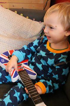 Nino le rock star en pyjama 2 pièces de #Maxomorra