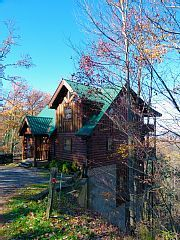 New+Listing/Great+Rates!!+3+King/M-Suites+w/In-Room+Jacuzzi+&+Full+BA,+Mt.Views+++Vacation Rental in Tennessee from @homeaway! #vacation #rental #travel #homeaway