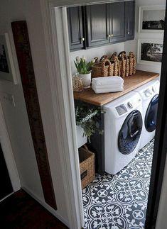 50 Excellent Laundry Room Tile Design ~ Home Design Ideas Laundry Room Tile, Laundry Room Remodel, Laundry Decor, Laundry Room Organization, Laundry Room Design, Farmhouse Laundry Rooms, Laundry Area, Organizing, Küchen Design