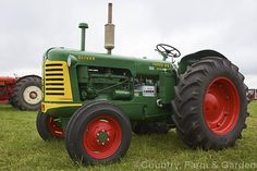 A fully restored 1954 Oliver Super 99 tractor. Produced for only a short period after the production run of the standard model the Super 99 was slightly updated model. Case Ih Tractors, Old Tractors, John Deere Tractors, New Tractor, New Holland Tractor, Vintage Tractors, Vintage Farm, Mahindra Tractor