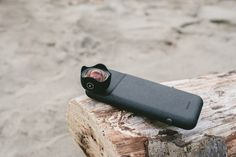 Moment's new iPhone photography case has a built-in battery - The Verge