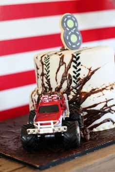 Awesome cake at a Monster Truck Birthday Party!  A fun cake decorating idea for a kids birthday party.