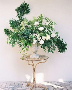 Botanical Wedding at Cannon Green Charleston Wedding Ideas Oncewed com is part of Botanical wedding The loveliest wedding designs are those with an overarching design element, subtly applied to -