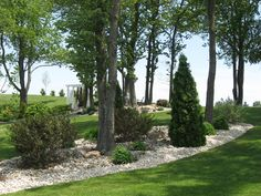 The park is an ideal setting for wedding ceremonies. Rock gardens reside below a canopy of Carolinian Cherry Trees.