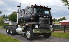 1976 International Transtar 4070B  Double Bunk
