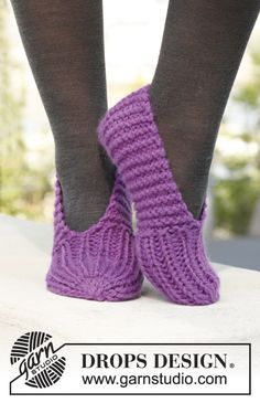 "Knitted DROPS slippers in ""Andes"". ~ DROPS Design"