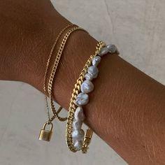 Trendy Jewelry, Dainty Jewelry, Cute Jewelry, Jewelry Trends, Gold Jewelry, Jewelry Accessories, Fashion Accessories, Fashion Jewelry, Fashion Hair