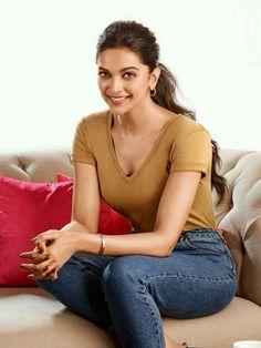 Bollywood Actress Hot Photos, Bollywood Celebrities, Bollywood Fashion, Female Celebrities, Indian Film Actress, Indian Actresses, Hot Actresses, Beautiful Actresses, Dipika Padukone