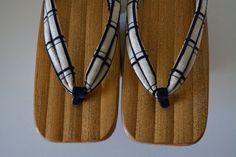 Geta wooden thong sandals, kiri wood with bamboo, vintage Japanese geta