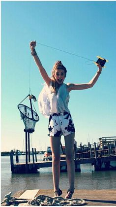 I'm literally obsessed with watching zoella videos. Love her style! Zoella Style, Zoella Beauty, Marcus Butler, Zoe Sugg, British Youtubers, Celebs, Celebrities, Summer Outfits, Style Inspiration
