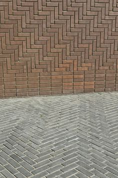Actually eager for trying out this one. Brick Paving, Brick Facade, Brick Flooring, Brick Architecture, Architecture Details, Landscape Architecture, Brick Design, Facade Design, Brick Patterns