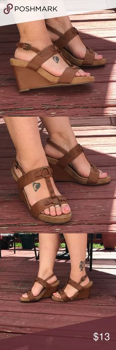 🎀Aerosoles🎀 As you know aerosols are super comfy this feature is brass details with the brass ring back strap buckle. Man-made materials Shoes Wedges
