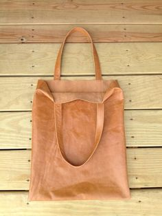 Simple lleather tote