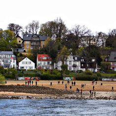 The People!... . . #people #beach #elbstrand #elbe #hamburg #germany #sommer #summer #travel #river #tiltshift #photography #photooftheday #hamburgliebe #tour #schifffahrt