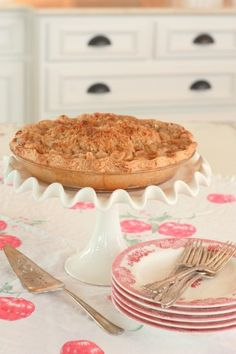 Butter Crunch Apple Pie - yes, please!  And, the name of the blog is just too fun...Aunt Ruthie's Sugar Pie Farmhouse.