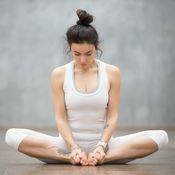 15 Minuten Yoga am Morgen – das tut gut! 15 Minuten Yoga am Morgen – das tut gut! Fitness Workouts, Pilates Workout, Fitness Del Yoga, Easy Workouts, Exercise To Reduce Hips, Reduce Thigh Fat, Reduce Thighs, Yoga Bewegungen, Yin Yoga