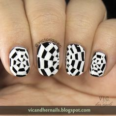 Vic and Her Nails: #31DC2014 Day 16: Geometric
