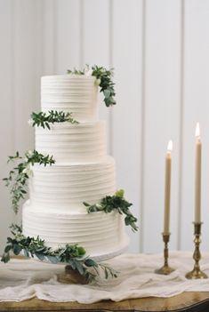 Featured Photographer: Nicole Berrett Photography; Wedding cakes ideas.