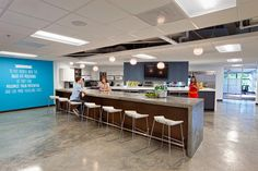 Placing Food At Your Employees' Fingertips + 15 Amazing Cafe Spaces