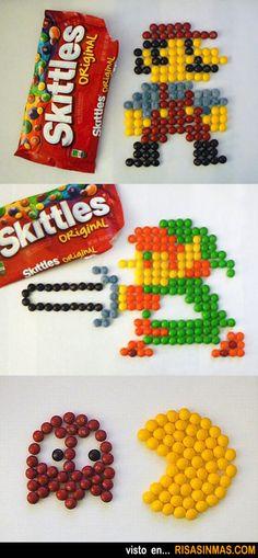 Personajes de videojuegos hechos con caramelos.
