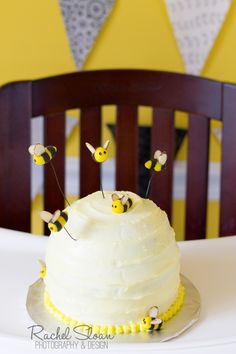 bumblebee birthday cake, first birthday, party tips