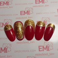 «Моя вариация))) Золотой текстон и императорский красный. #emi #emimania #emimaster #emidesign #emiman