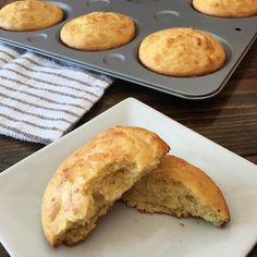 Saturday morning biscuits.😍 Sometimes I make smaller biscuits using silicone muffin cups. Today I made 6 large biscuits using my muffin top pan. ✨✨✨✨✨✨✨✨✨  1 1/2 cups almond flour  1 tablespoon baking powder  1/4 teaspoon salt  1/3 cup sour cream   2 eggs  4 tablespoons melted butter   Mix dry ingredients. Mix wet ingredients well. Then fold wet ingredients into almond flour mixture. Batter is kind of thick. 400 degrees for 12 minutes.  A bit over 3 net carbs each.
