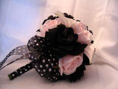 Pink Saturday: Pink & Black Wedding Bouquet - Dreams Weddings on a Budget Black Bouquet, Feather Bouquet, Pink Rose Bouquet, Flower Bouquet Wedding, Boquet, Cute Wedding Ideas, Wedding Themes, Wedding Styles, Wedding Inspiration