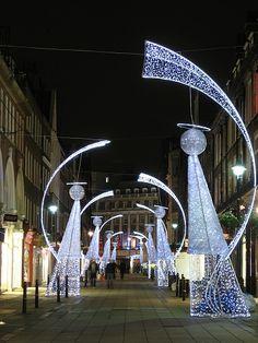 Christmas lights on South Molton St, Mayfair