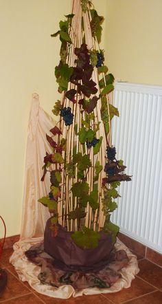 Szőlős dekoráció Plant Hanger, Nap, Plants, Home Decor, Decoration Home, Room Decor, Plant, Home Interior Design, Planets