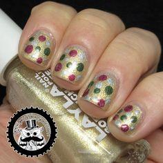 Holiday Dotticure #nailart #nails