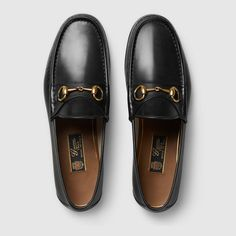 Shop the 1953 Horsebit leather loafer by Gucci. Our 1953 Horsebit loafer in leather. Outfit Loafers, Mens Moccasins Loafers, Leather Loafers, Loafer Shoes, Men's Shoes, Dress Shoes, Men's Loafers, Mocassins Gucci, Gucci Horsebit Loafers
